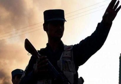 شش سرباز پلیس فراه به ظن باجگیری از موترها بازداشت شدند
