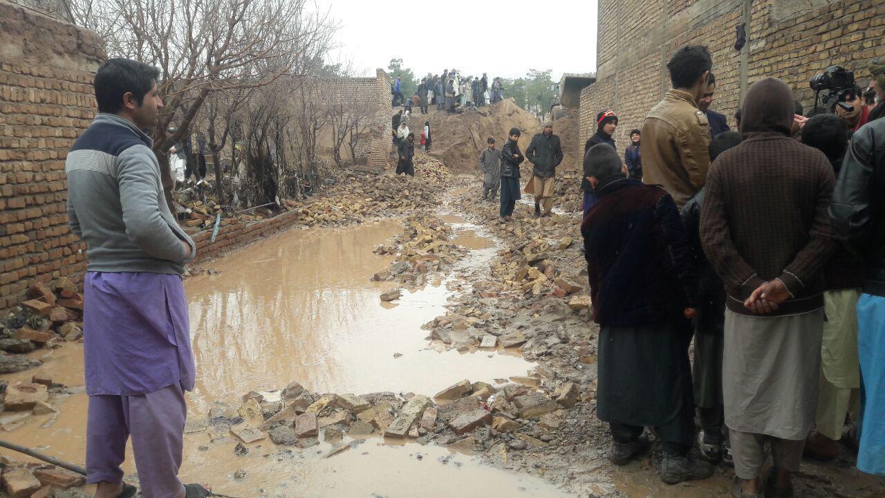آب داخل خانههایمان شده/از دولت خواهان کمک هستیم