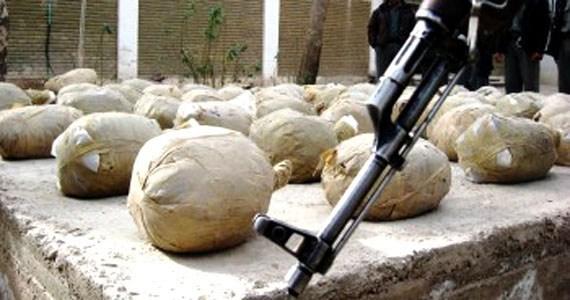 پولیس نیمروز مانع قاچاق ۴۰ کیلوگرام تریاک به ایران شد