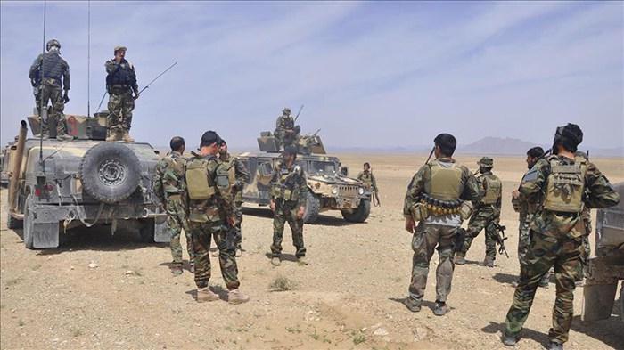 ادامه درگیریها در اناردره فراه؛ چهار طالب مسلح و سه سرباز دیگر کشته شدند