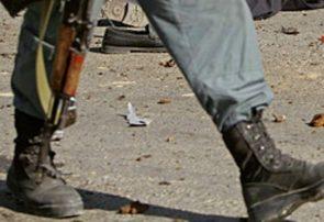 ادامه سربازگیری طالبان از نیروهای امنیتی فراه؛ یک پولیس به این گروه پیوست