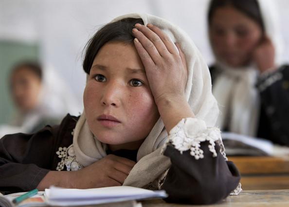 فرار شماری از معلمان غور از وظایفشان/معارف، معلمان غیر حاضر را برکنار میکند