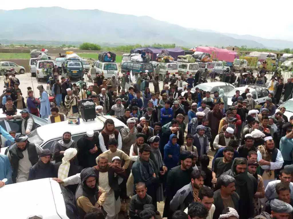 مسدود بودن راه هرات – چشت داد مردم غور و بامیان را درآورد