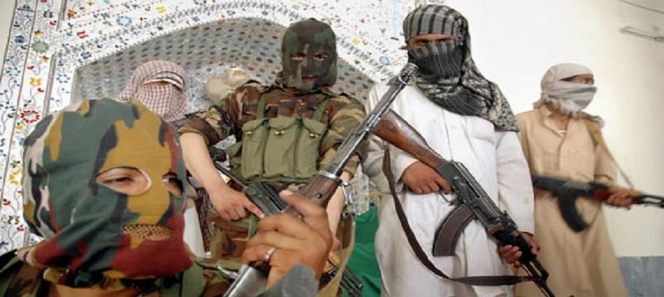 فرمانده ارتش بادغیس: ما تنها با طالبان روبرو نیستیم؛ روسی، ازبکستانی و چچنیها هم با ما میجنگند