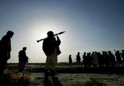 طالبان سربازان یک پاسگاه پولیس را در مرکز غور به رگبار بستند