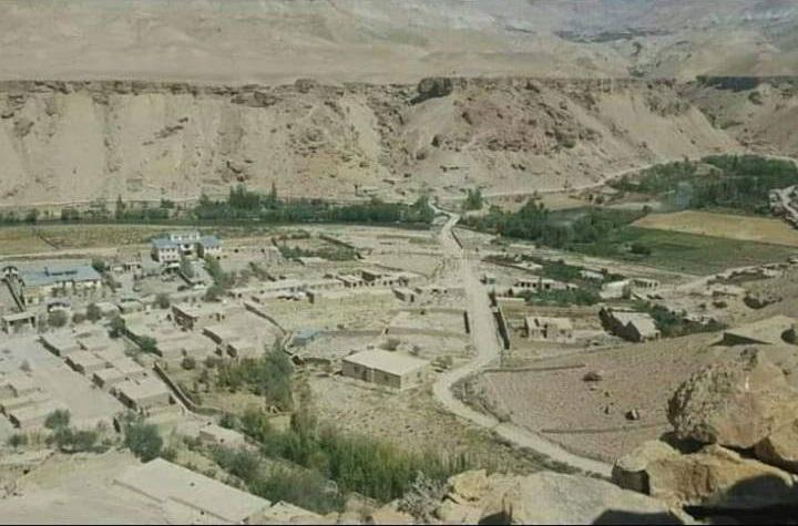 مرکز ولسوالی چهارسده غور به روستای منگ منتقل شد