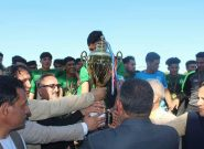 تیم اتک انرژی جام قهرمانی لیگ برتر فوتبال هرات را بالای سر برد