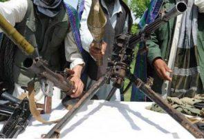 یک گروه پنج نفری طالبان در غور به دولت تسلیم شدند