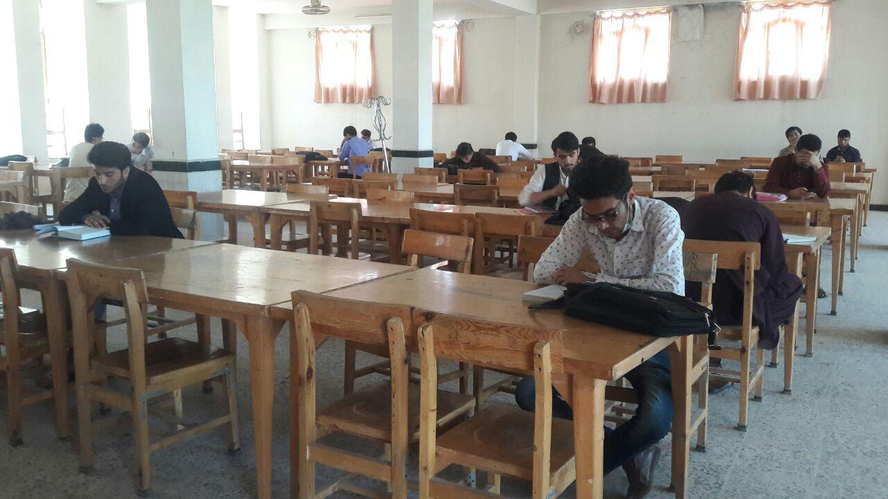 مطالعه و کتابخوانی میان جوانان هرات در سراشیبی قرار دارد
