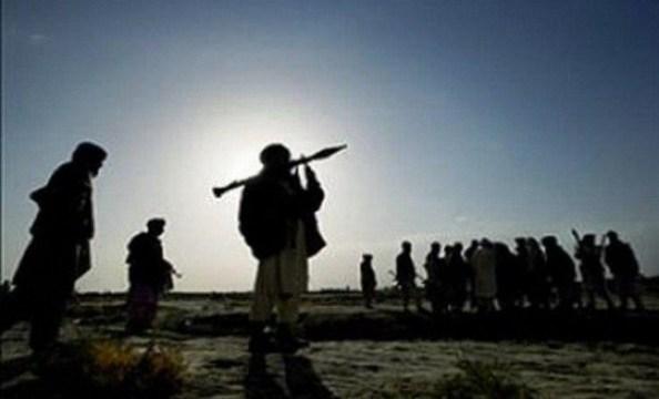 نبرد شبانه در مرکز فراه جان یک سرباز و دو عضو طالبان را گرفت