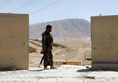 ۵۰ سرباز در ولسوالی تولک غور به طالبان تسلیم شدند
