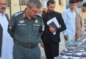 پولیس هرات ۲۰۶ میل سلاح را به پروسه دایاک تحویل داد