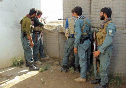 نبردی در فراه جان یک عضو برجسته طالبان و یک سرباز پولیس را گرفت