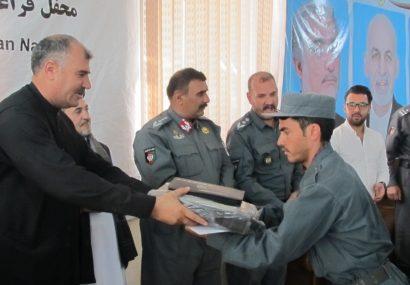 نزدیک به ۶۰ نیروی پولیس هرات خواندن و نوشتن فرا گرفتند