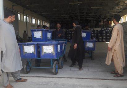 مواد انتخاباتی به تمام ولسوالیهای هرات منتقل شده/۱۰ هزار کارمند آموزش دیدهاند