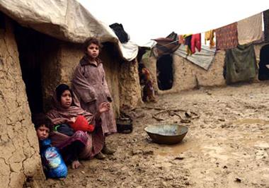 مردم جوند بادغیس سه هفته در محاصره طالبان؛ تاکنون چهار کودک و فرد مسن از بیماری جان دادند