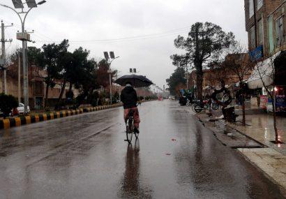 خیابانهای هرات در صبح خیس زمستانی