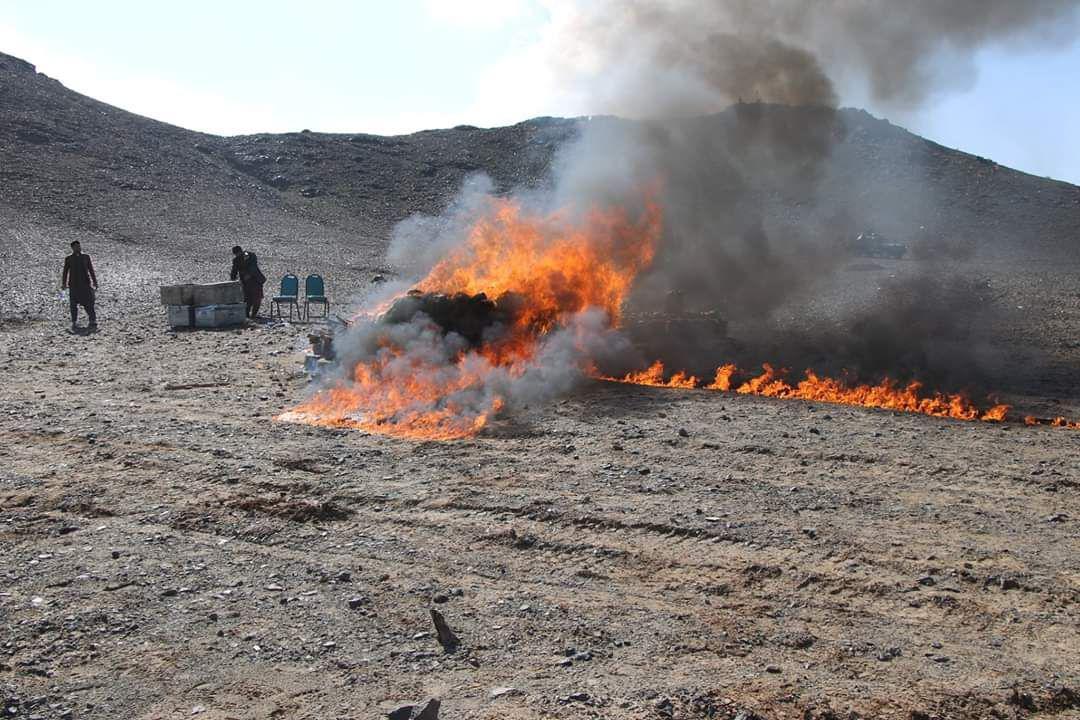 حدود ۴۵۰ کیلوگرام مواد مخدر در فراه سوزانده شد
