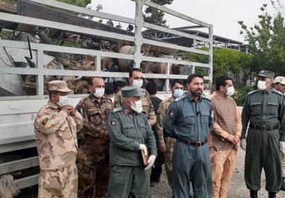 دستگیری چهار تن به ظن فروش وسایل نقلیه فرسوده نظامی در هرات