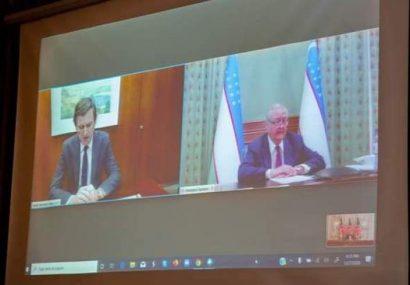 وزیران خارجه افغانستان، امریکا و ازبکستان با ویدیو کنفرانس با هم صحبت کردند