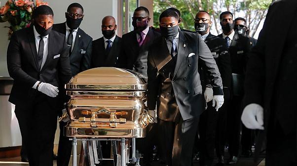 شعارهای زد نژاد پرستی در مراسم خاکسپاری جورج فلوید