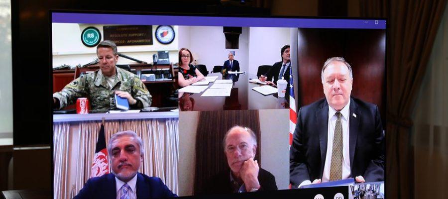 پمپو با مقامهای عالی افغانستان در مورد صلح صحبت کرد