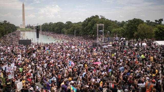 تجمع صدها هزار نفر در پایتخت آمریکا/ اعتراض درمورد خشونت پولیس و نابرابری نژادی