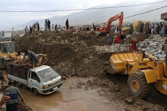 ۸۰۶ میلیون افغانی کمک چین برای سیلاب زدگان افغانستان