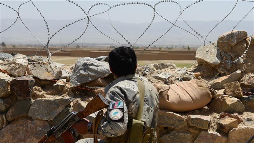 فرمانده ولسوالی پشت رود همراه با سه سرباز توسط طالبان کشته شدند