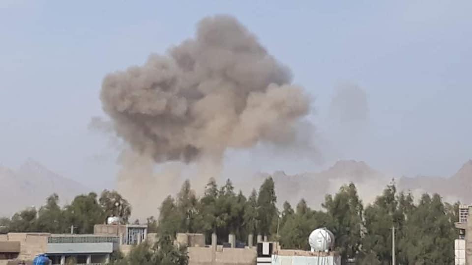 در حمله موتر بمب طالبان در فراه ۳ تن کشته و ۲۵ تن دیگر زخمی شدند
