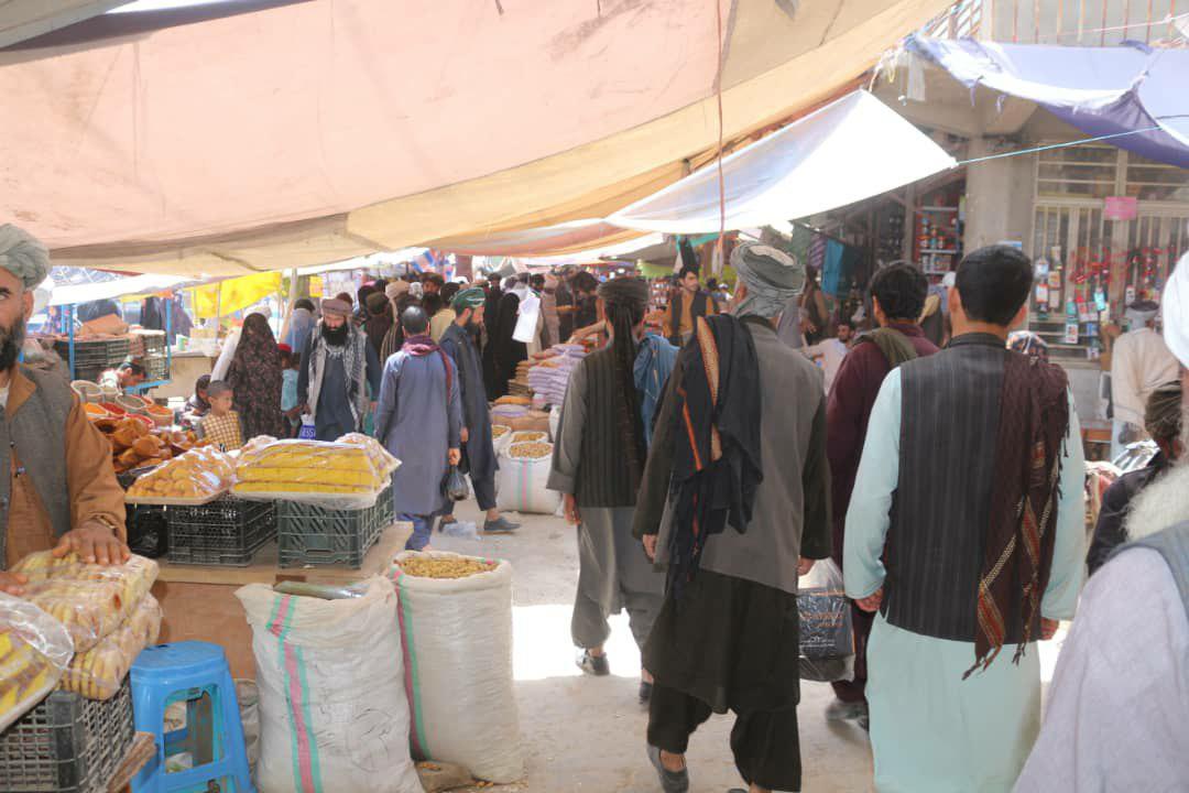 بازار شلوغ عید در بادغیس به روایت تصویر