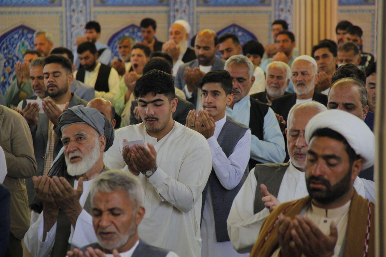 برگزاری نماز عید فطر در دو مسجد بزرگ ولایت هرات به روایت تصویر