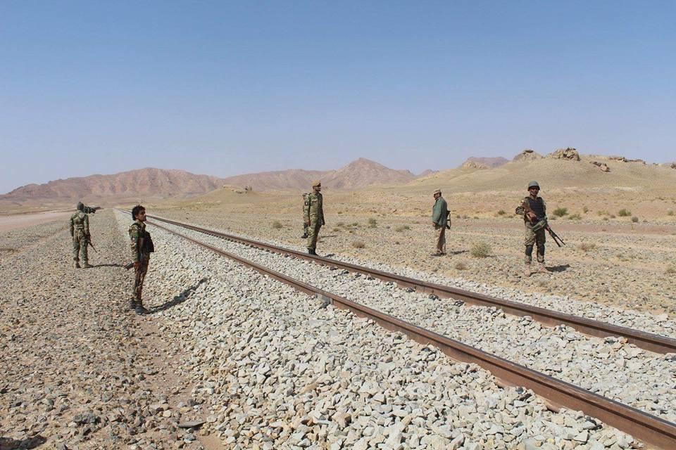 شش محافظ خط آهن هرات – خواف در انفجاری جان باختند